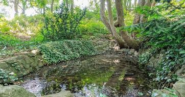 Hektarová zahrada v Hlásné Třebáni